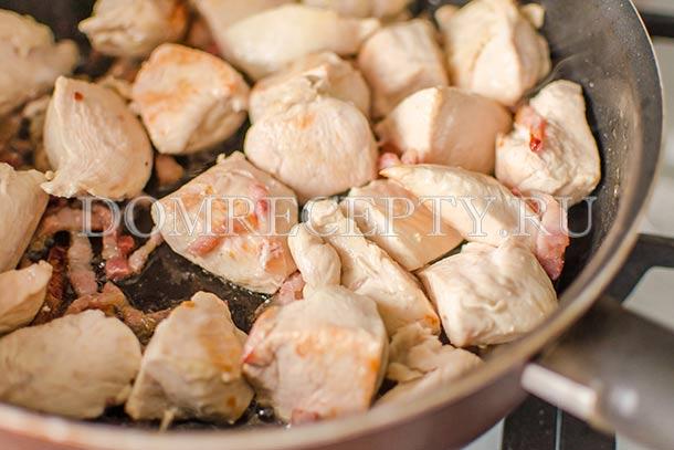 Гуляш из курицы рецепт с пошагово со сметаной