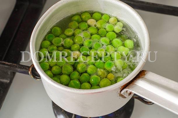 Отвариваем зеленый горошек