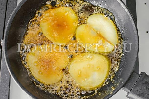Готовим грушу в карамельном сиропе