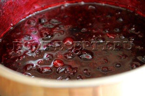 Шаг 5 - Перемешиваем желатин с вареньем
