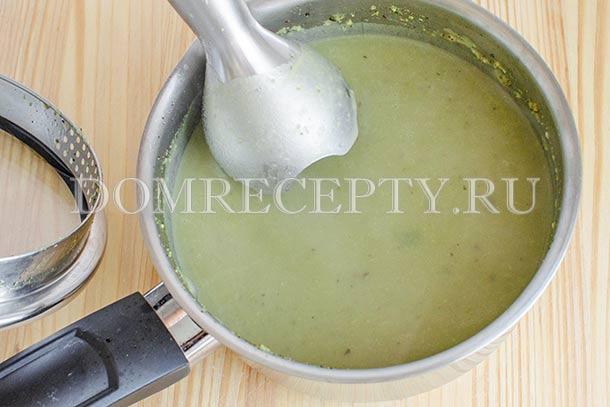 Готовый суп пробиваем блендером