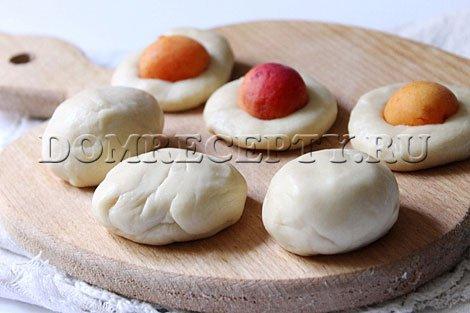 Шаг 7 - Лепим пирожки с начинкой
