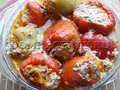 Шаг 8 - Готовим фаршированный рисом и овощами перец в духовке