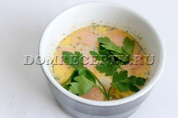 Омлет с сосисками в духовке - рецепт с фото - шаг 8