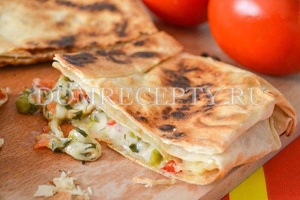 Горячая закуска из лаваша - рецепт с фото