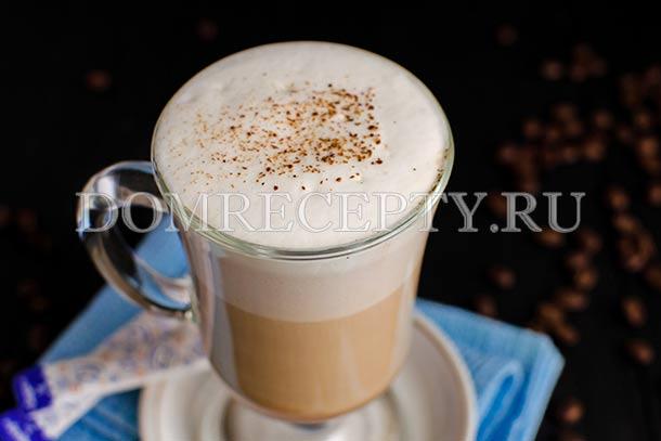 Кофе латте с молоком