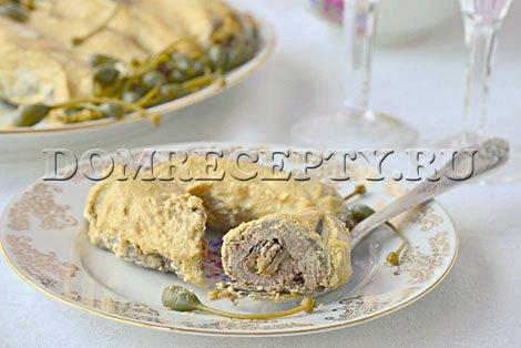 Мясные рулетики с грибами и черносливом - рецепт с фото