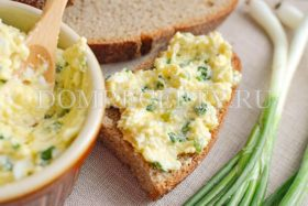 Намазка на бутерброд с зеленым луком