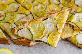 Пирог с кабачками и сыром на сыворотке