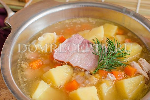 Суп из гороха с копченостями