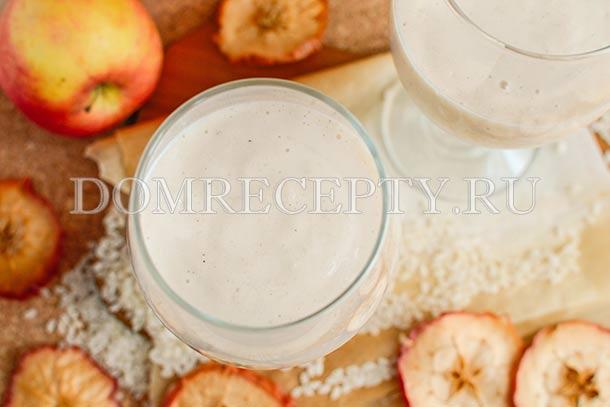 Рисовый смузи с яблоком