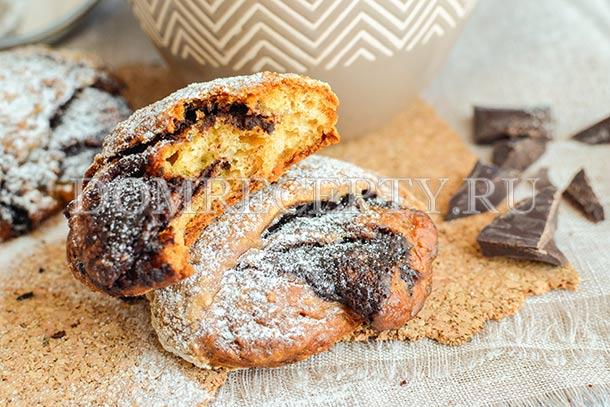 Творожные булочки на сыворотке с шоколадной начинкой
