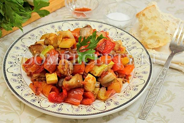 Классический рататуй, приготовленный на сковороде