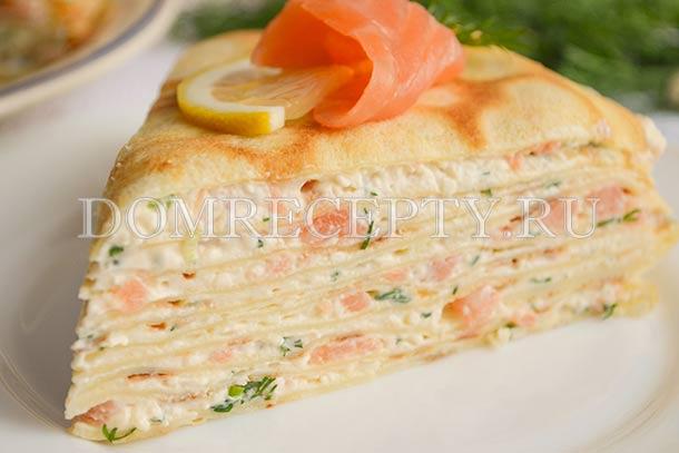 Блинный торт с семгой и сливочным сыром