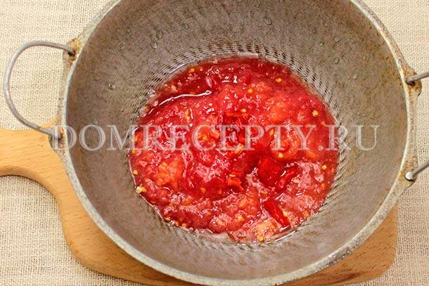 Готовим томатный соус для рататуя