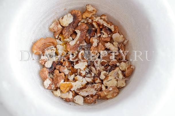 Рубим грецкие орехи
