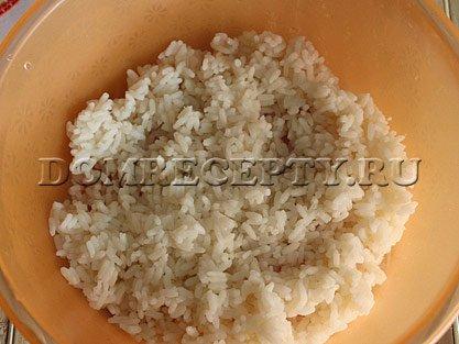 Шаг 4 - Отвариваем рис до полуготовности