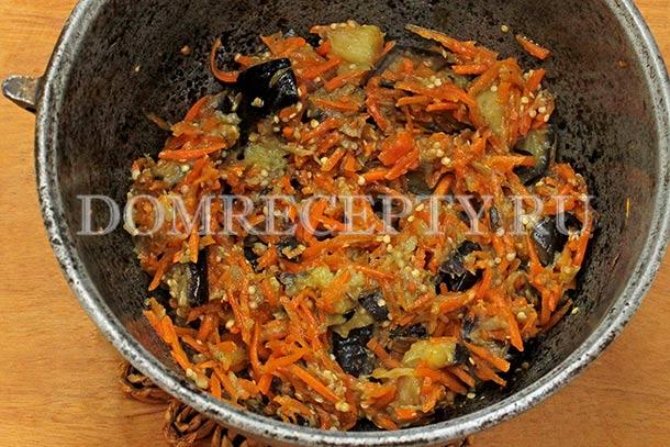 Тушим баклажаны с морковью