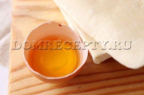 Шаг 5 - Отделяем яичный желток