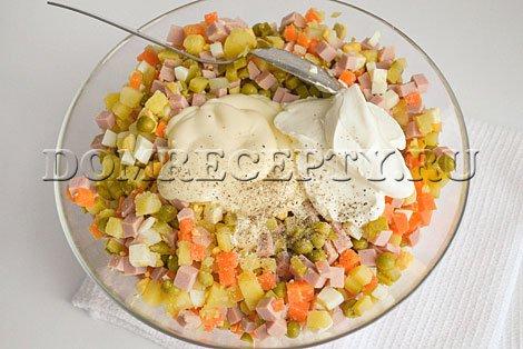 Заправляем салат «Оливье»