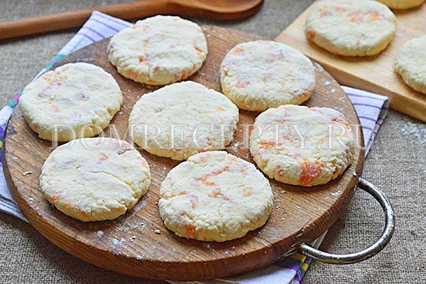 Сырники с тыквой готовы к жарке