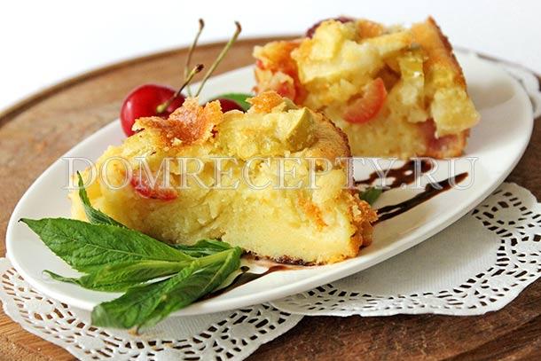 Яблочный пирог с вишней на кефире
