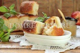 Дрожжевые пирожки с яблоками