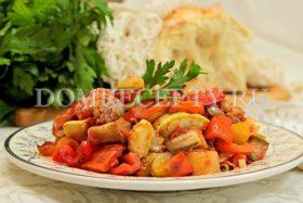 Овощной рататуй, приготовленный на сковороде