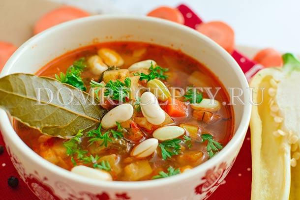 Летний овощной суп с кабачками