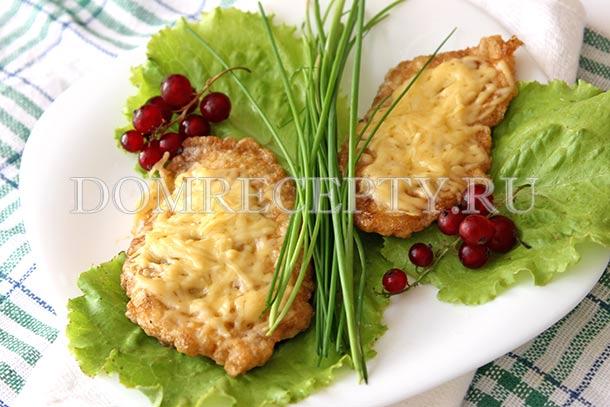 Отбивные из куриного филе с сыром