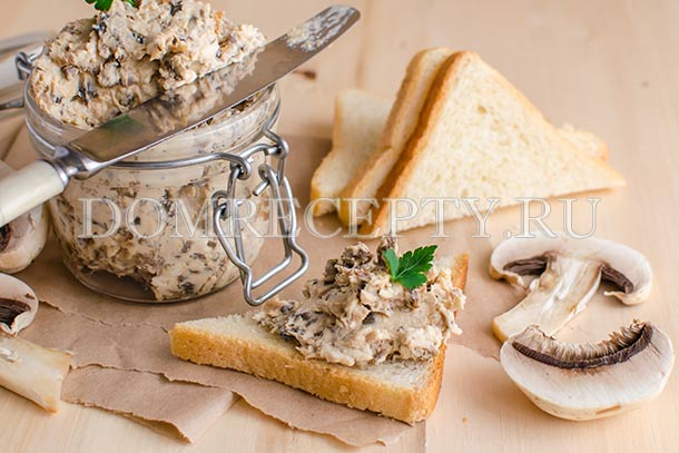 Паштет из куриной грудки с грибами и сыром
