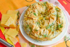 Пирог «Улитка» из лаваша с сыром, творогом и зеленью