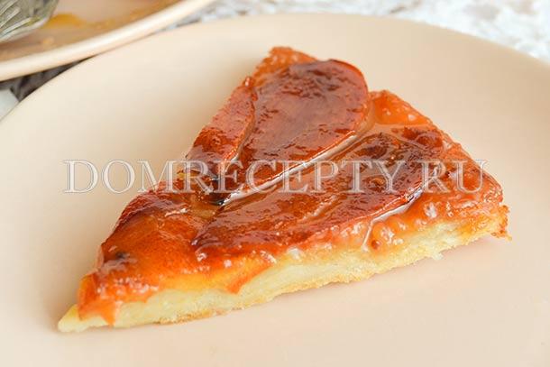 Пирог-перевертыш из творожного теста с хурмой