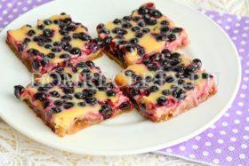 Пирожные с черникой из печенья